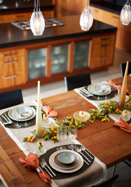 Vida\u002639;s Think Tank: Inspiring Holiday Tablescapes Rustic and Casual Table Setting Ideas