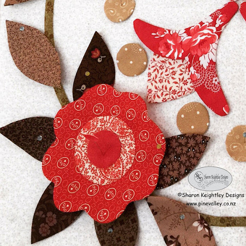 http://pinevalley.co.nz/blogs/pine-valley-quilts/red-wreath-quilt-applique-leav…