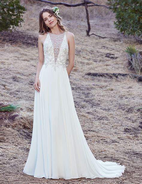 3 Wedding Dresses Perfect for Tall/Athletic Body Types