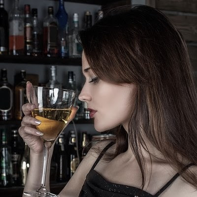Facial Spider Veins and Alcohol | Vein Treatment Centre