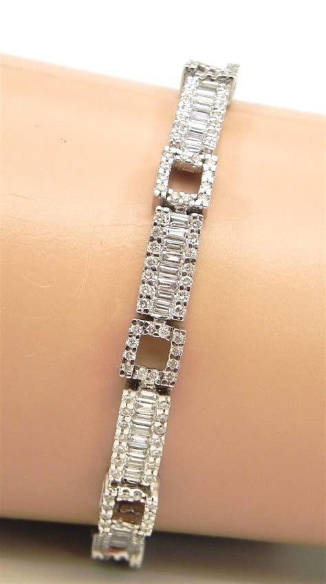 ladies  white gold  cts diamonds rectangular