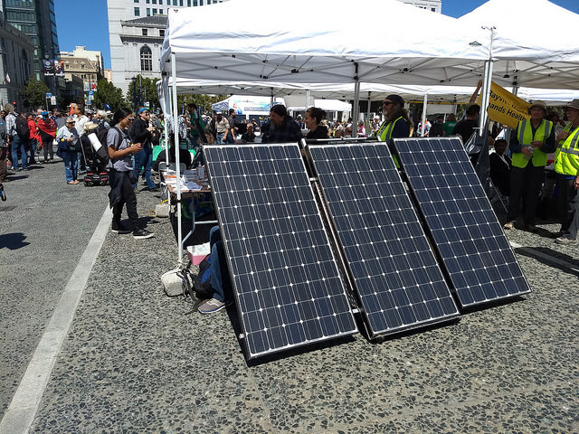 A solar panel exhibit in San Francisco, California, during the Global Climate Action Summit, which showed the expansion of solar and wind energy and micro hydroelectric dams to provide electricity to small communities. Credit: Emilio Godoy/IPS