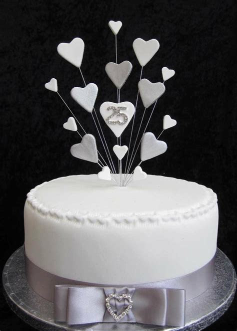 36 best ?Anniversary Cakes? images on Pinterest