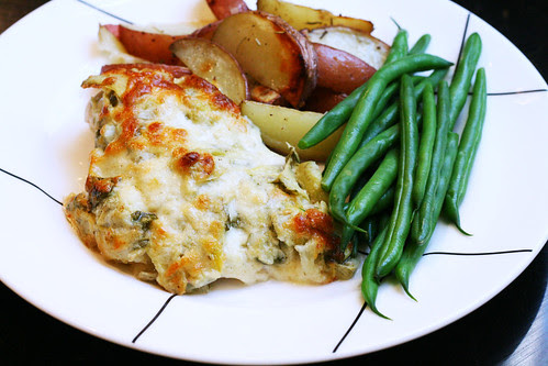 spinach and artichoke crusted chicken