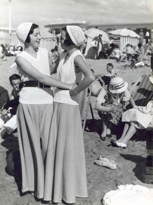 Beach Pajamas & Palazzo Pants of the 1930s: These legs out of a dress!