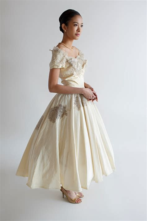Beautiful Vintage Wedding Dresses from Beloved Vintage