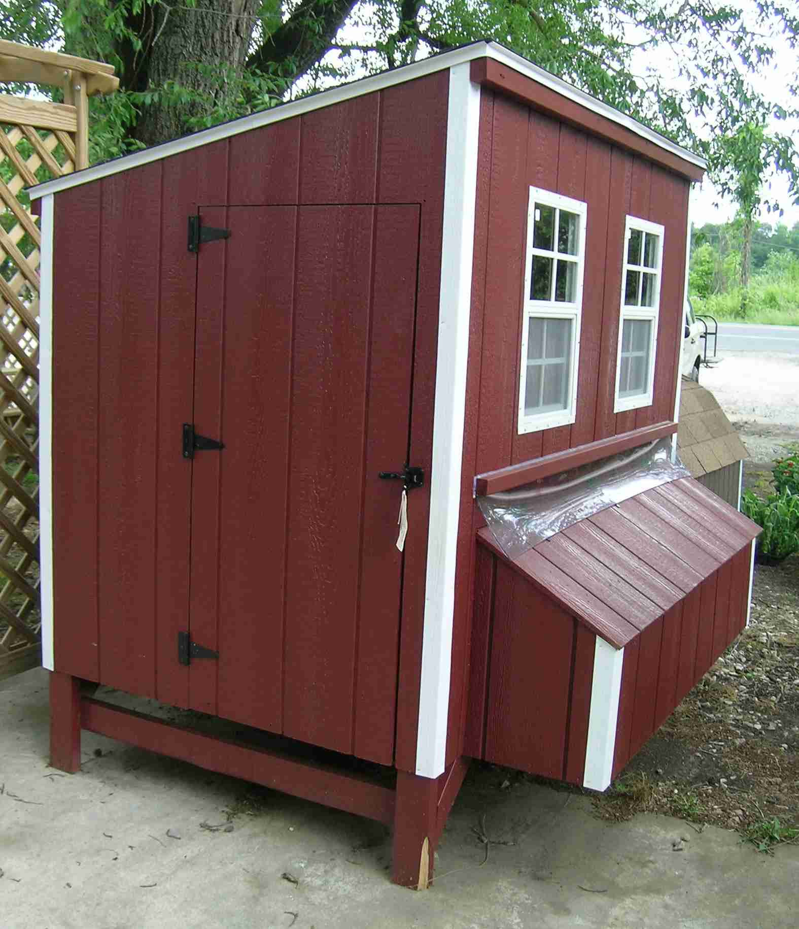 34 Free Chicken Coop Plans Ideas That You Can Build On: Mina: Chicken Coop Plan For 12 Chickens