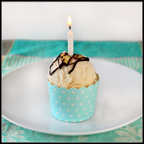 Toasted Almond Ice Cream Cup