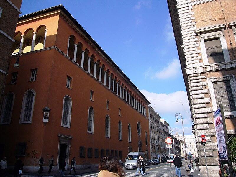 File:Parione - Nostra Signora del Sacro Cuore già san Giacomo degli spagnoli facciata su Corso Rinascimento 1010084.JPG
