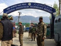 Over 100 People En Route To NIT Srinagar Disallowed To Enter State