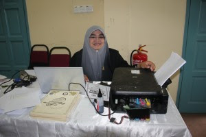 Cik Siti Aisyah Mat Saad...Setiausaha program...