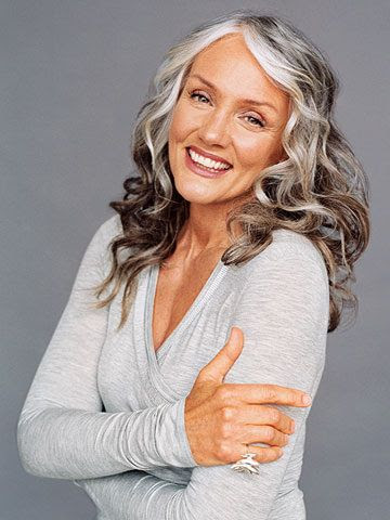 10 Fashion and Beauty Tips for Women over 60  herinterest.com