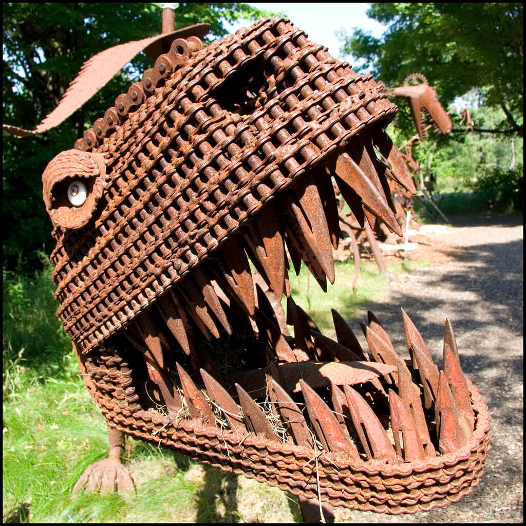 Jurustic Park: Where Recycled Metal Dinosaurs Rule ...