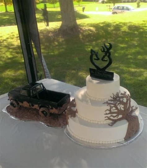"""""""The Hunt is Over"""" wedding cake   Hunting & Fishing"""