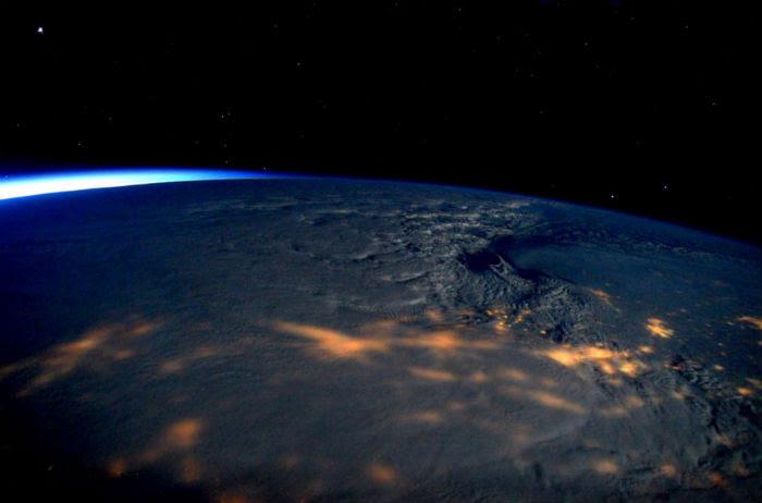 """Así se ve la tormenta """"Jonas"""" en EU desde la Estación Espacial"""