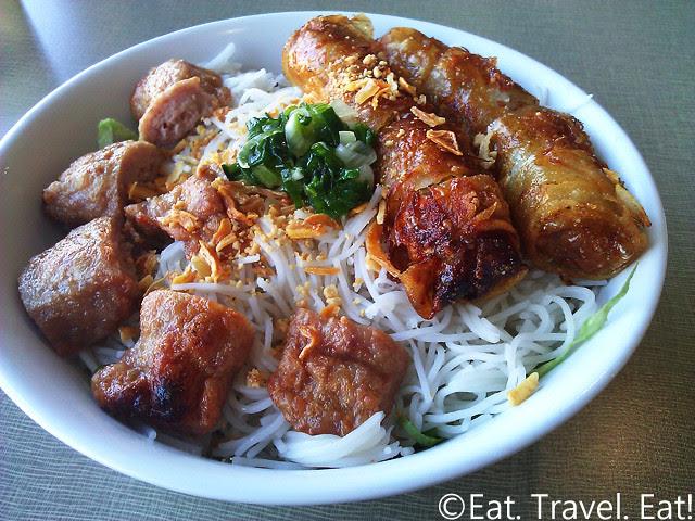 Golden Deli Express- Temple City, CA: Bun (w/ Grilled Meatballs and Egg Rolls)