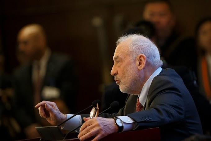 """""""El PP es uno de los causantes de que España esté en bancarrota"""", afirma un Nobel de economía"""