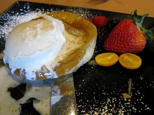 Pear Tarte – Tatin w. Vanilla Gelato