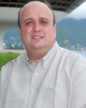 http://noticias.gospelmais.com.br/files/2012/04/pr-renato-vargens.jpg