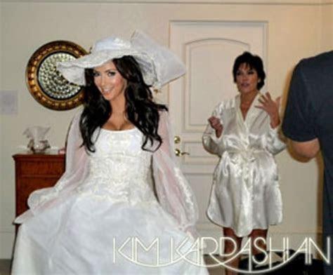 PHOTO: Kim Kardashian Wears Her Mom's Wedding Dress   Us