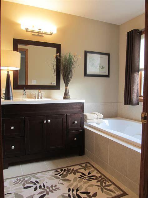 wallbold brown accent bathroom walls color combinations
