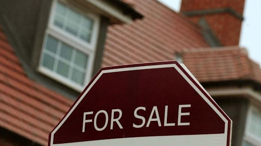 UK housing market settles down post-Brexit, says Rics - BBC News