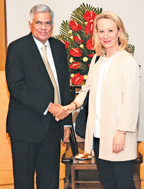 PM meets U.S. State Dept official