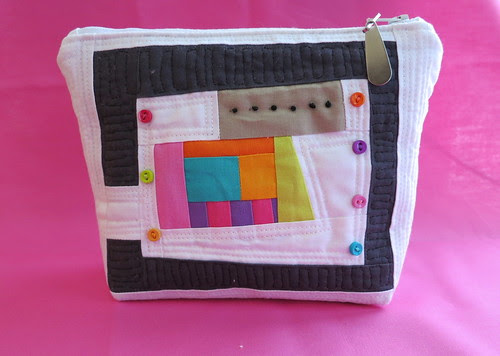 """My 1st (ever) zippered pouch 8 x 5 1/2"""""""