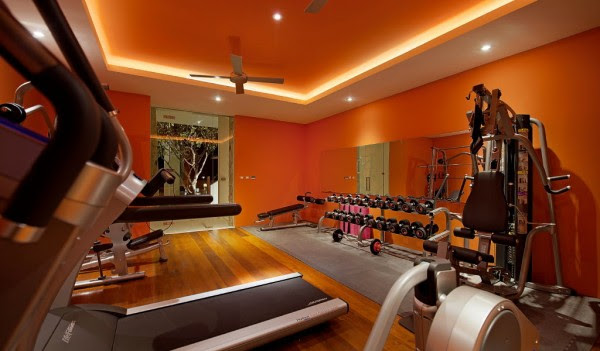 A fully kitted-out private gym is at the disposal of the inhabitants.