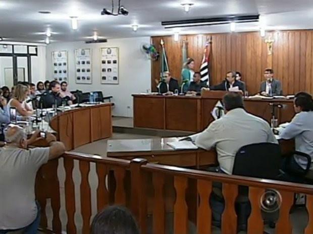 Projeto polêmico vai criar 10 secretarias e mais de 250 cargos (Foto: Reprodução/TV Tem)