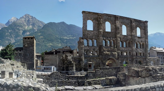 Aosta – 10 Things to do and visit | Visit Italy