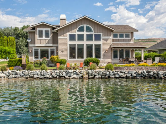 Villa at Mill Bay Lake Chelan Waterfront Vacation Rental Sleeps up to 12