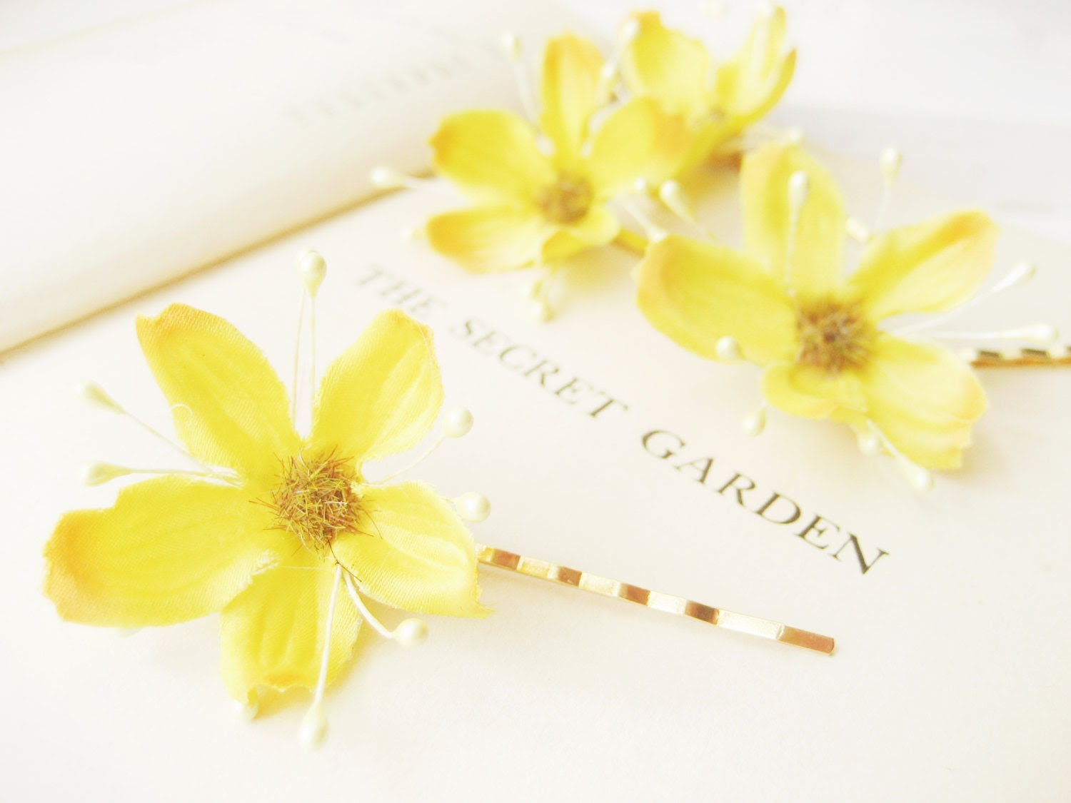 Yellow Flower Bobby Pin Set, Spring Blossoms, Floral Hair Grip, Bohemian Wedding Hair Accessories, Bridal, Whimsical, Gold, Starflower - NoonOnTheMoon
