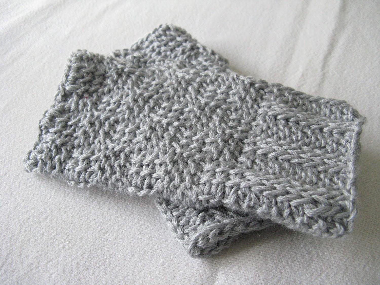 Basketweave Crochet Wristwarmers Pattern - Silver Grey