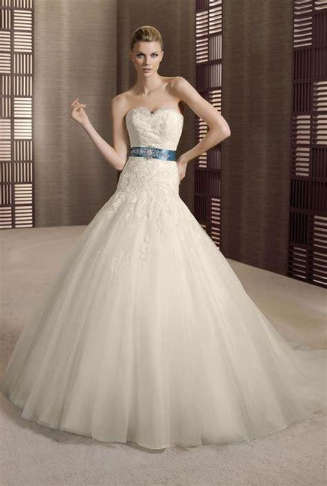 Wedding Dresses for Big Bust Small Waist   sewing   Pinterest