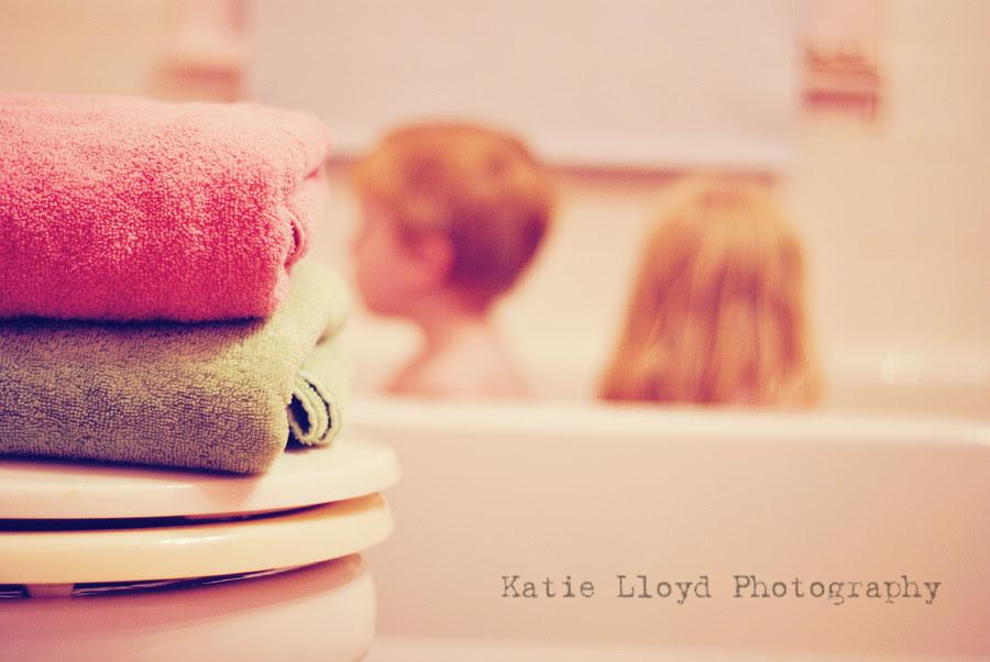 kids-in-tub
