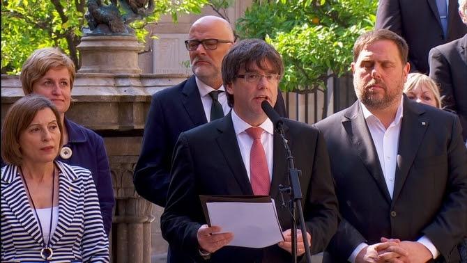 Puigdemont i Junqueras, durant l'anunci de data i pregunta de divendres passat