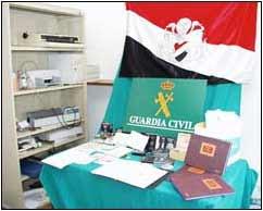 Documentos confiscados por la Guardia Civil española