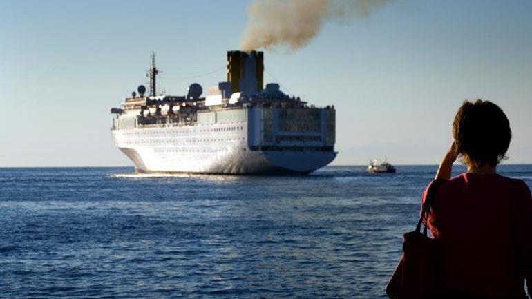 Στη Βουλή η ατμοσφαιρική ρύπανση από πλοία