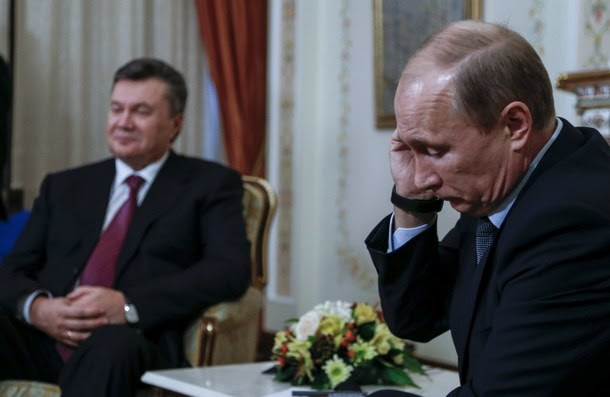 Η Μόσχα τελειώνει τον Γιανουκόβιτς, αναζητά συνεννόηση με τη Δύση;
