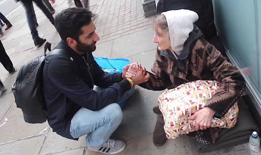 Muslim Man Spreads Joy By Delivering Christmas Gifts to Homeless- WATCH - Good News Network