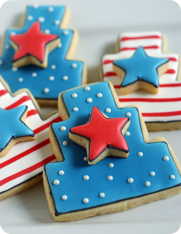 double-decker 4th of july patriotic decorated cookies from bakeat350.blogspot.com