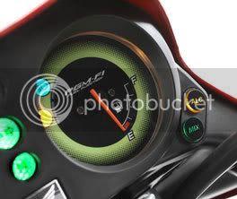 Detalhe das luzes Mix e Alc no painel da CG 150 Titan Mix