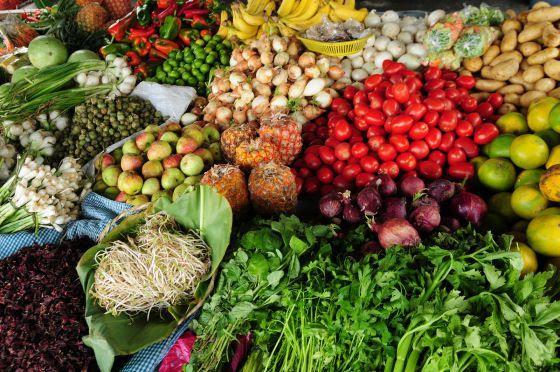 Los supermercados franceses no podrán tirar alimentos a la basura