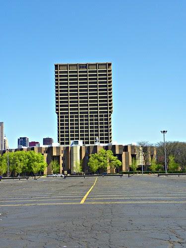 4.18.2010 sunday in Chicago (9) UIC building