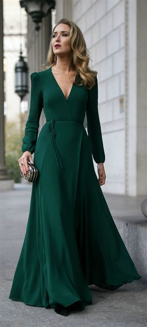 Click for outfit details! // Emerald green long sleeve