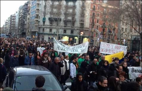 En Barcelona también se pide la dación en pago retroactiva. -MD