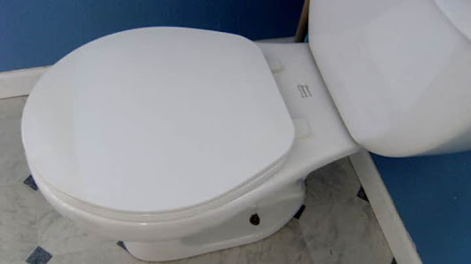Toilet for rent in London for £3,000 per month