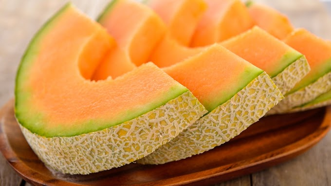 Incredible! Malaysian Farmers Grow Japanese Muskmelons With Music And Massage