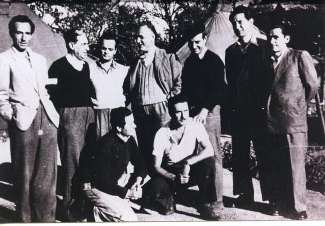 exoristoi-ston-ai-strati-diakrinontai-oi-katrakis-kai-ritsos-1952